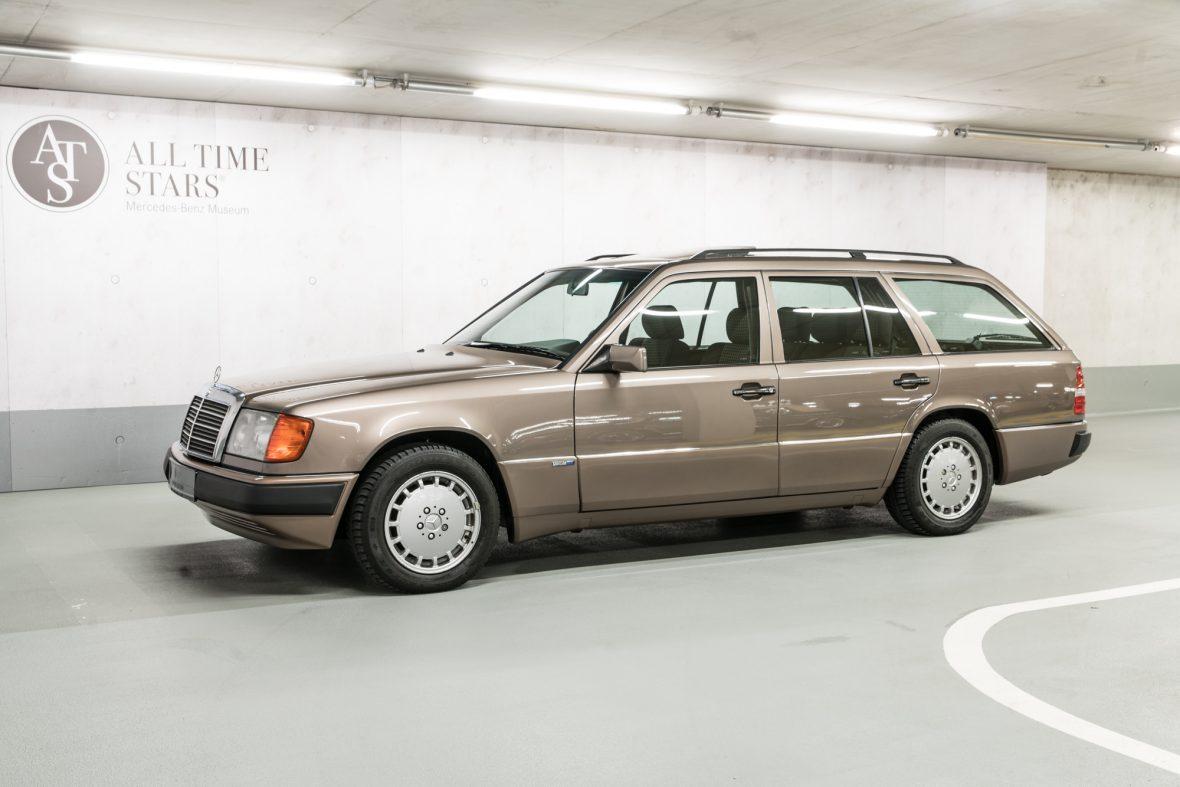 Mercedes-Benz S 124 230 TE 2