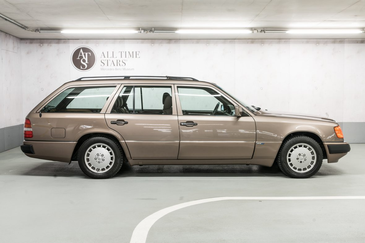 Mercedes-Benz S 124 230 TE 1