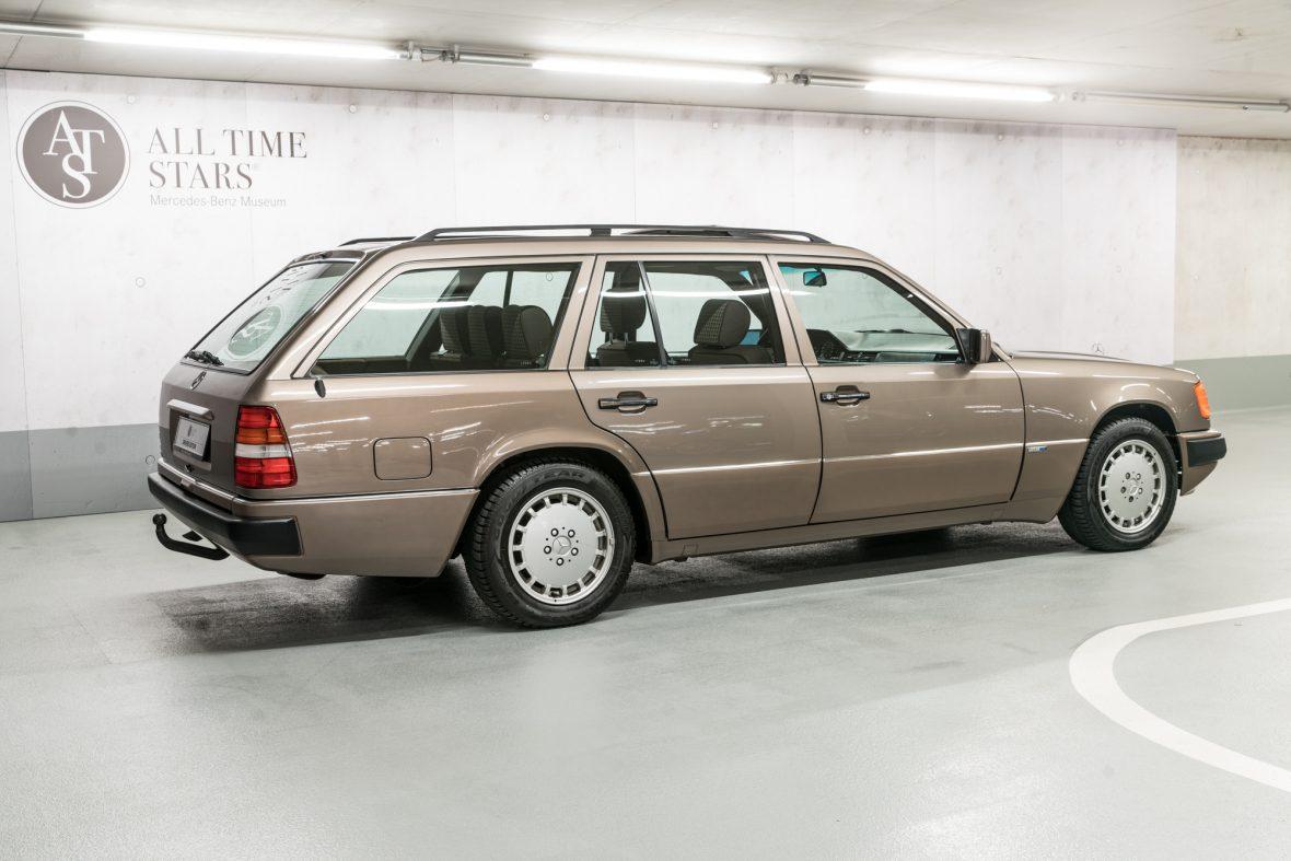 Mercedes-Benz S 124 230 TE 0