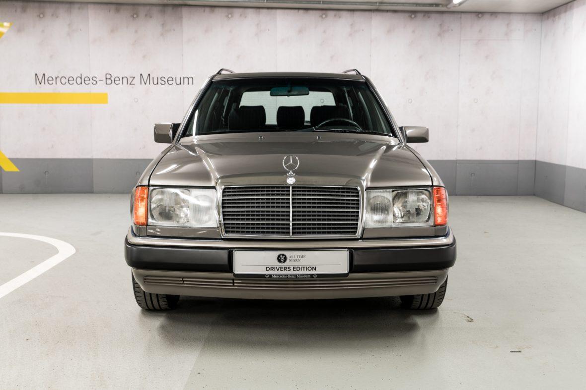 Mercedes-Benz S 124 230 TE 5