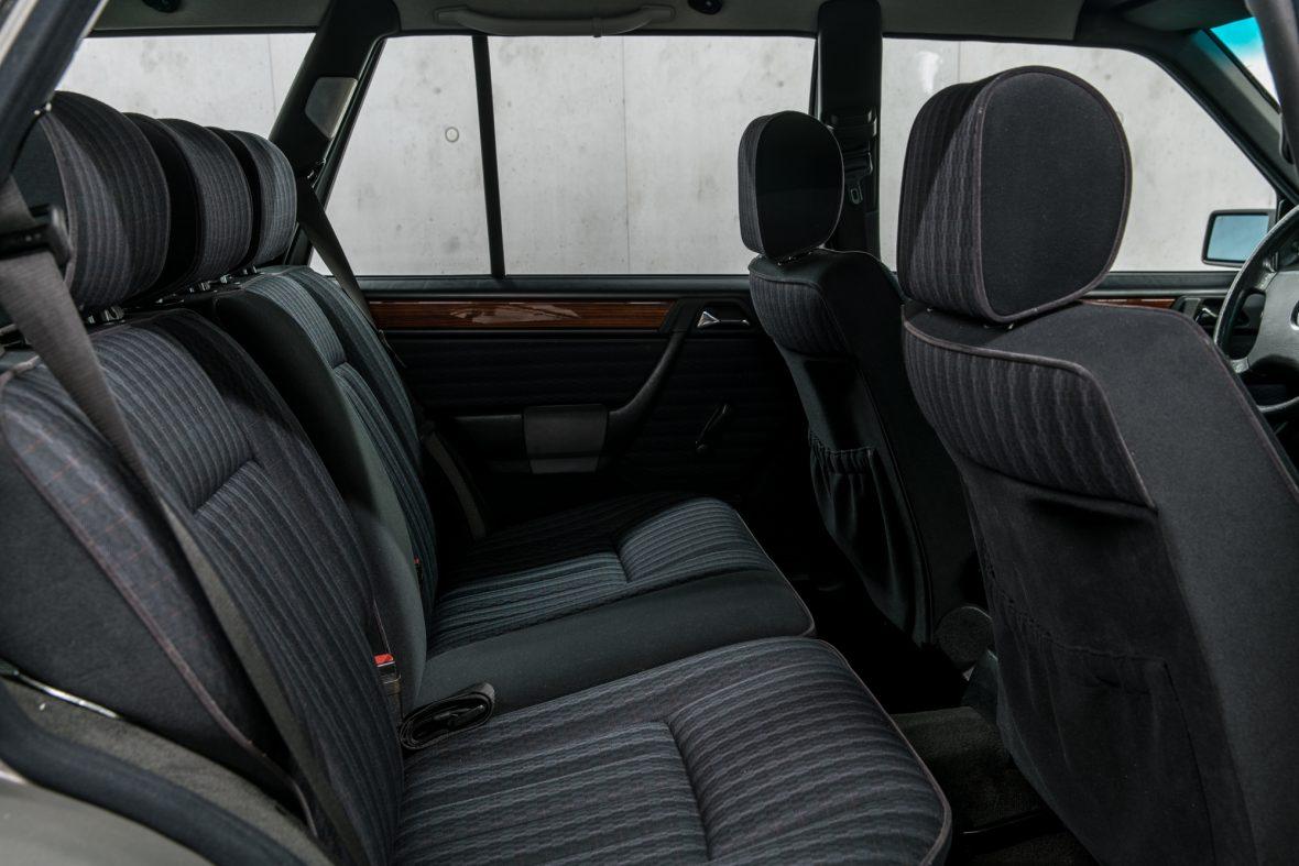 Mercedes-Benz S 124 230 TE 13