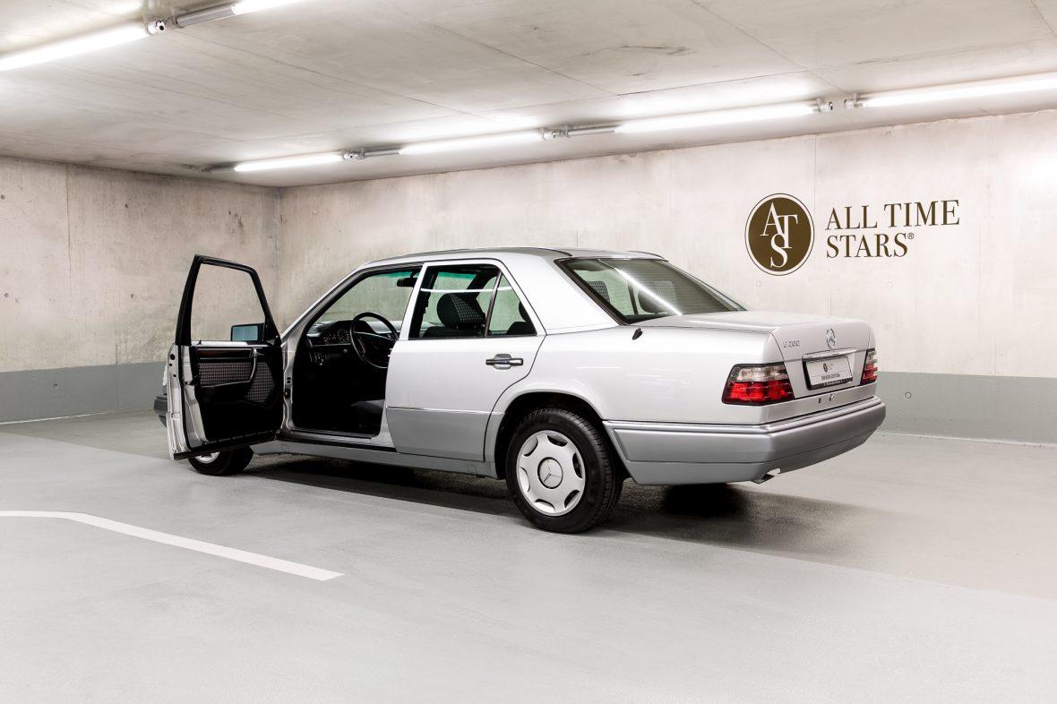 Mercedes-Benz W 124 200 E 6