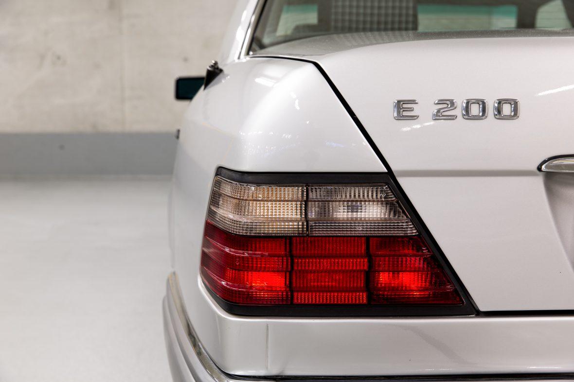Mercedes-Benz W 124 200 E 18