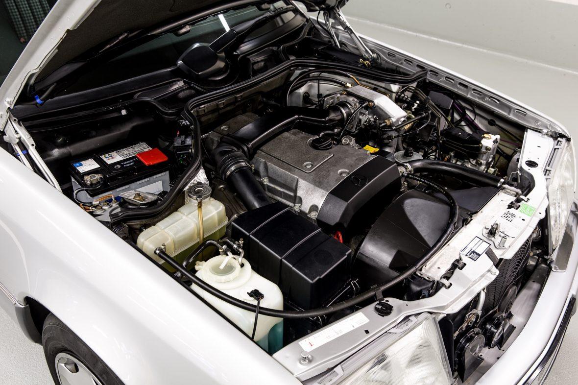 Mercedes-Benz W 124 200 E 8