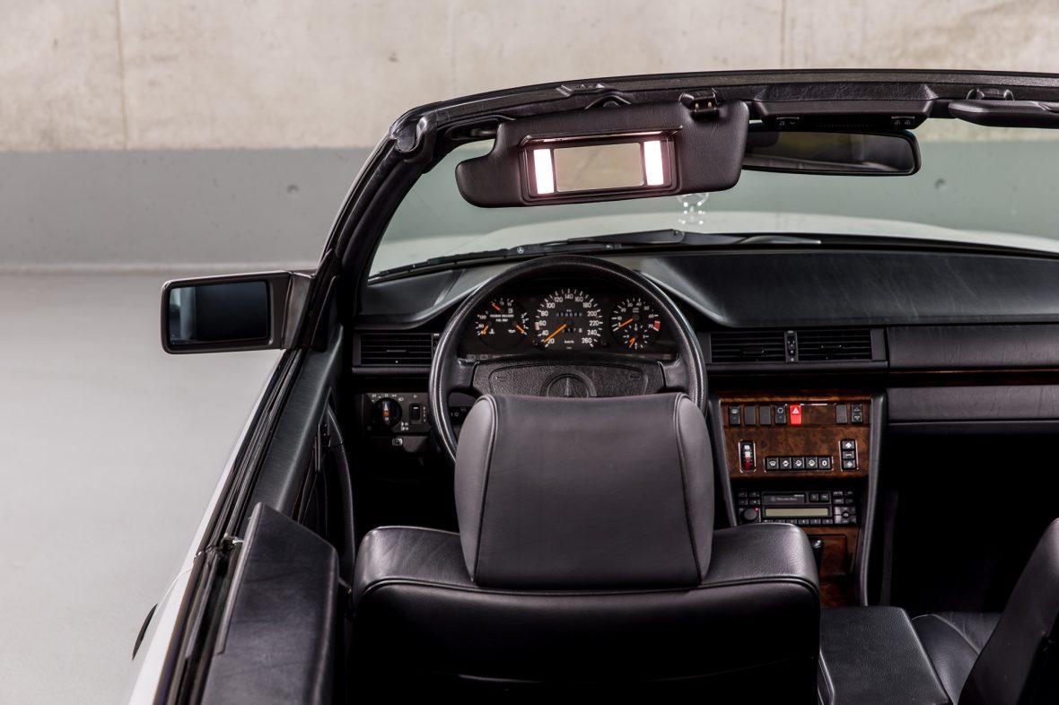 Mercedes-Benz E 320 (A 124) 15