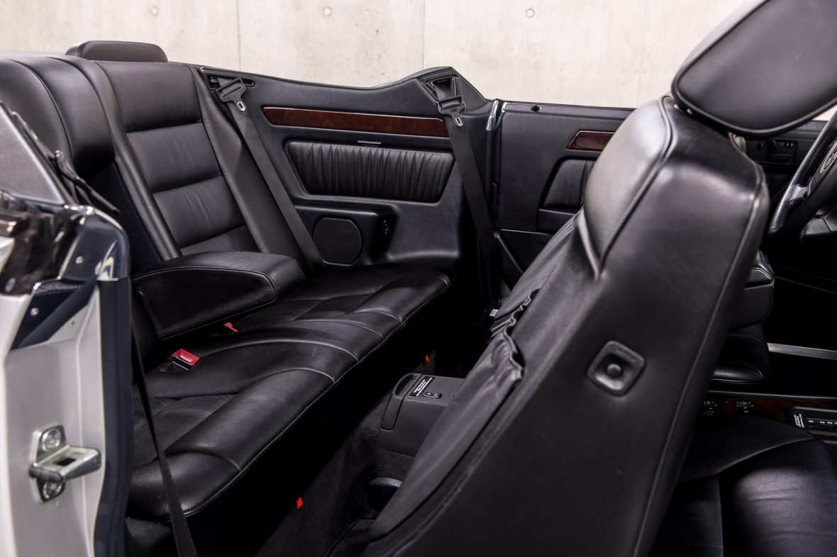 Mercedes-Benz E 320 (A 124) 10