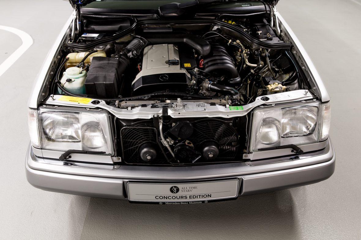 Mercedes-Benz E 320 (A 124) 7