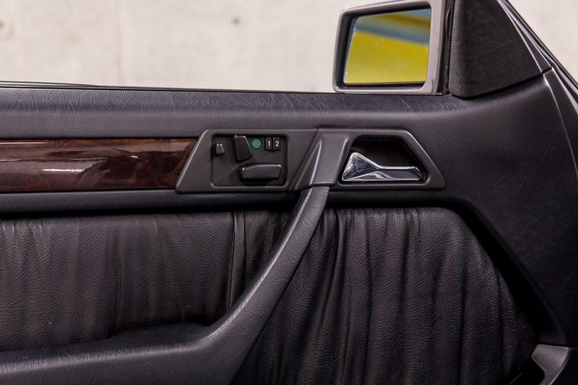 Mercedes-Benz E 320 (A 124) 12