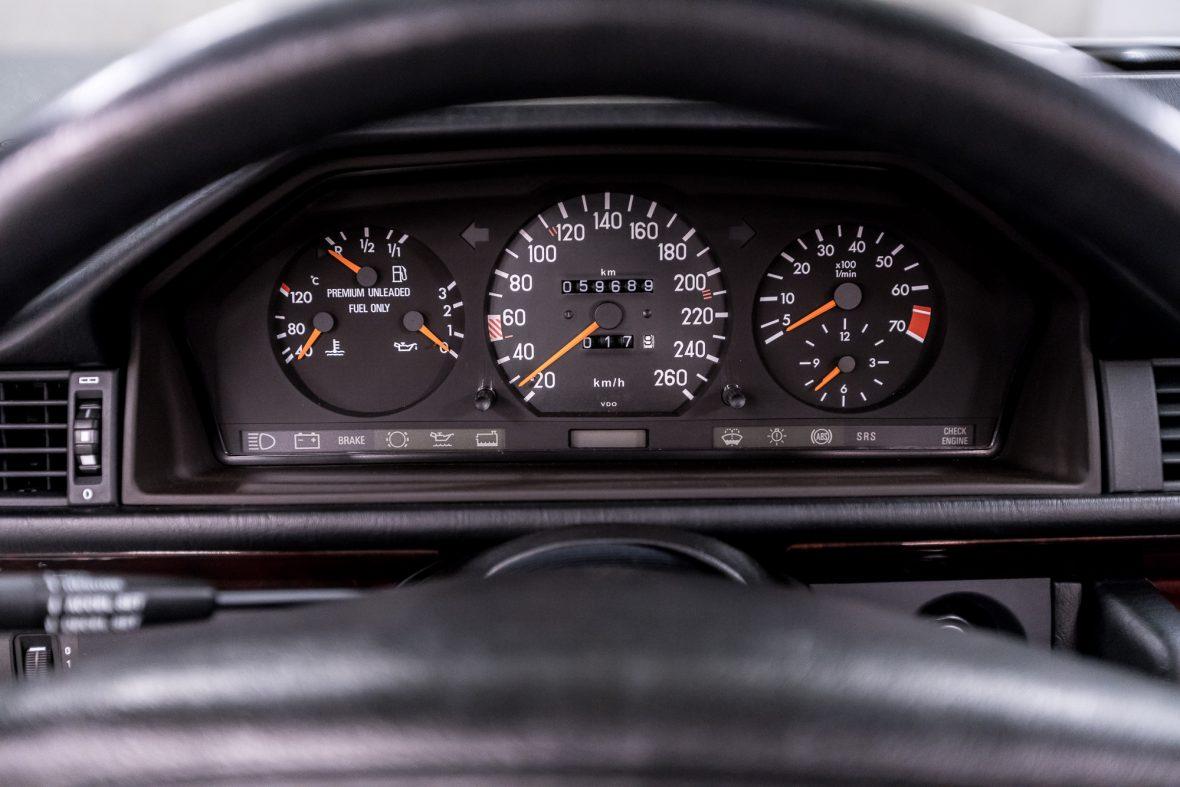 Mercedes-Benz E 320 (A 124) 18