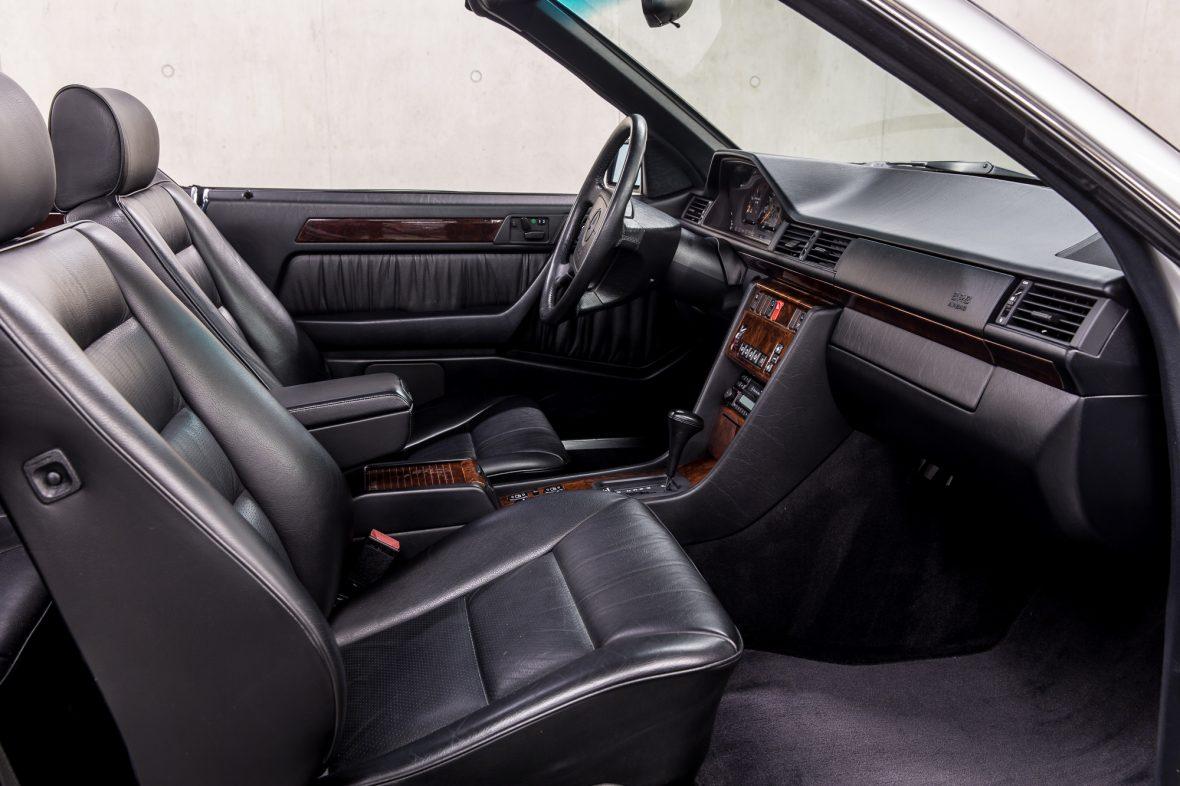 Mercedes-Benz E 320 (A 124) 9