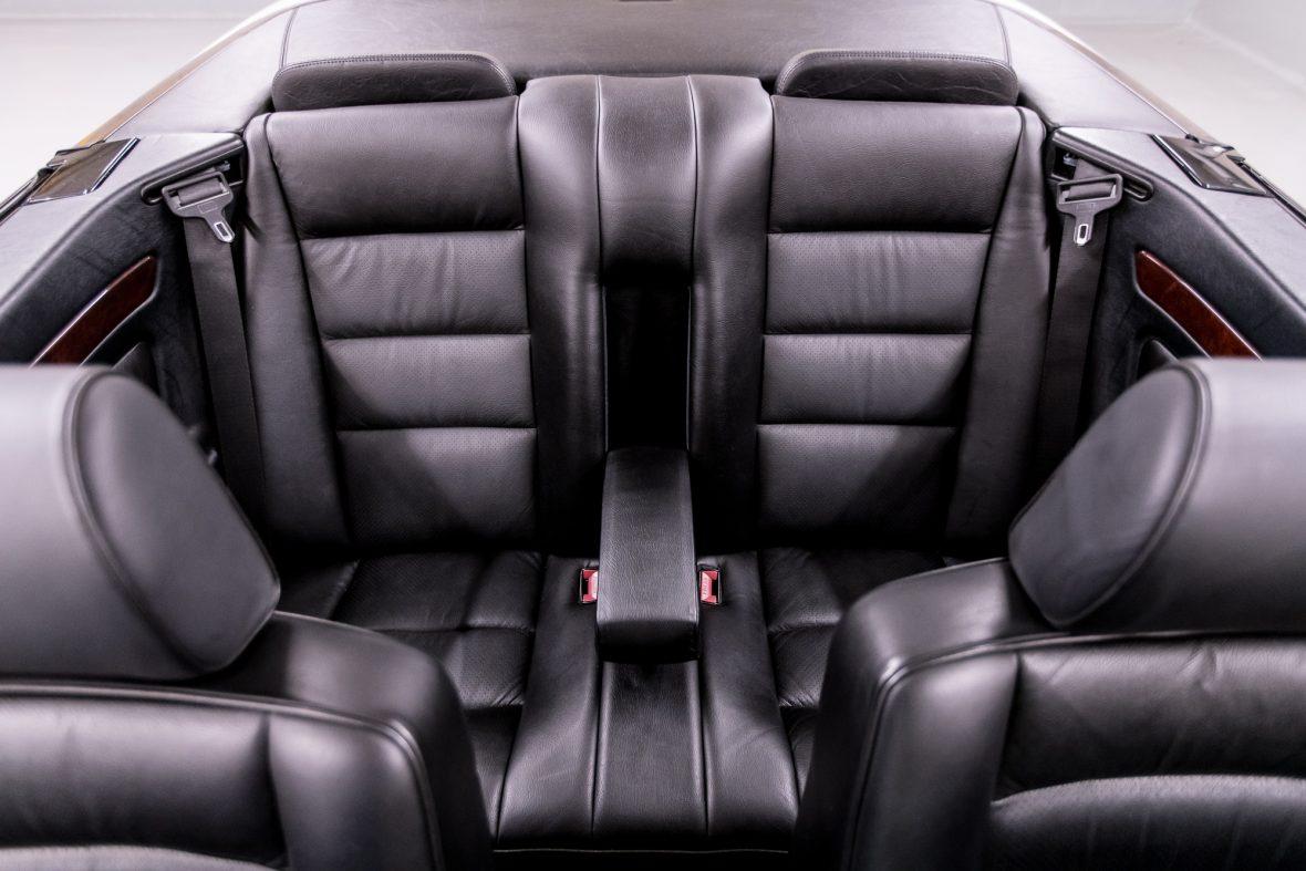 Mercedes-Benz E 320 (A 124) 11