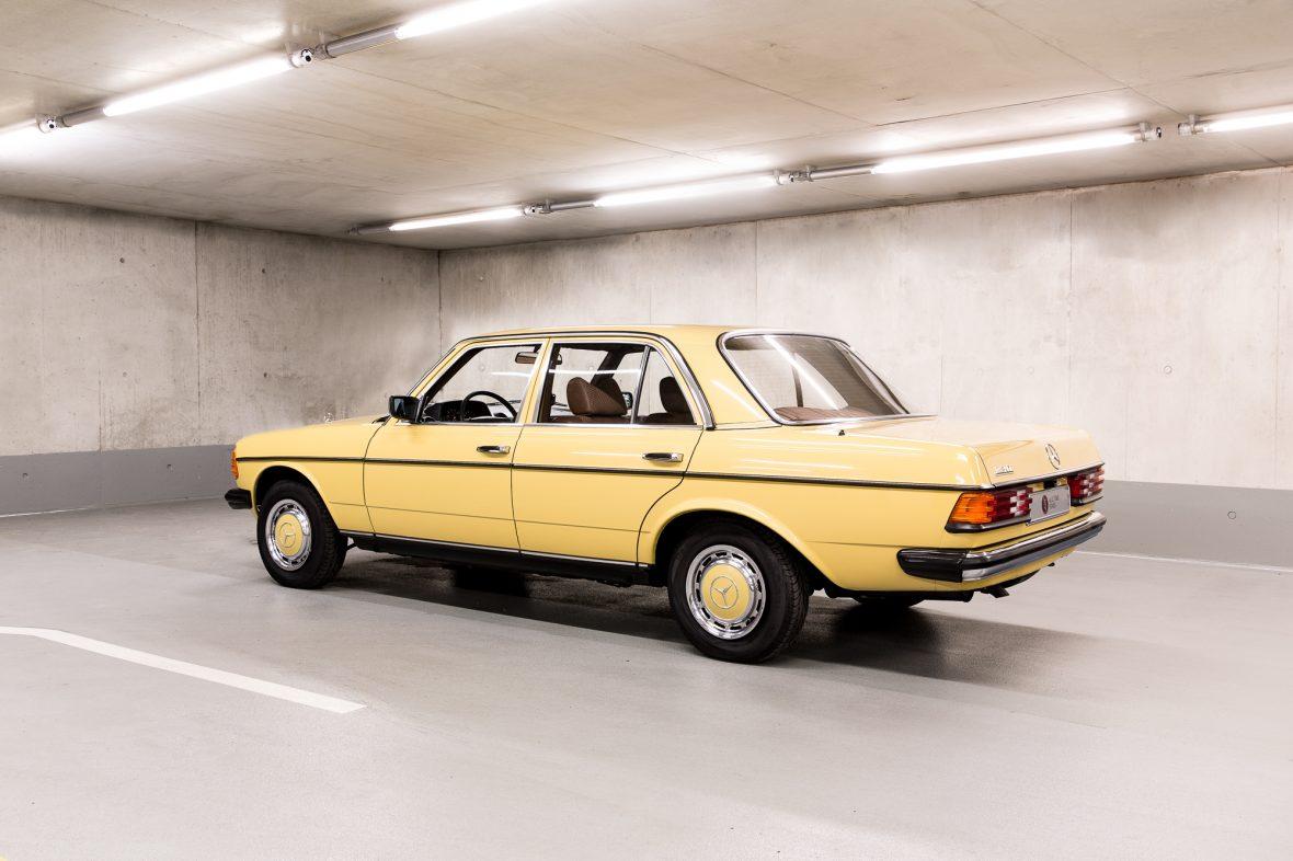 Mercedes-Benz W 123  230 0