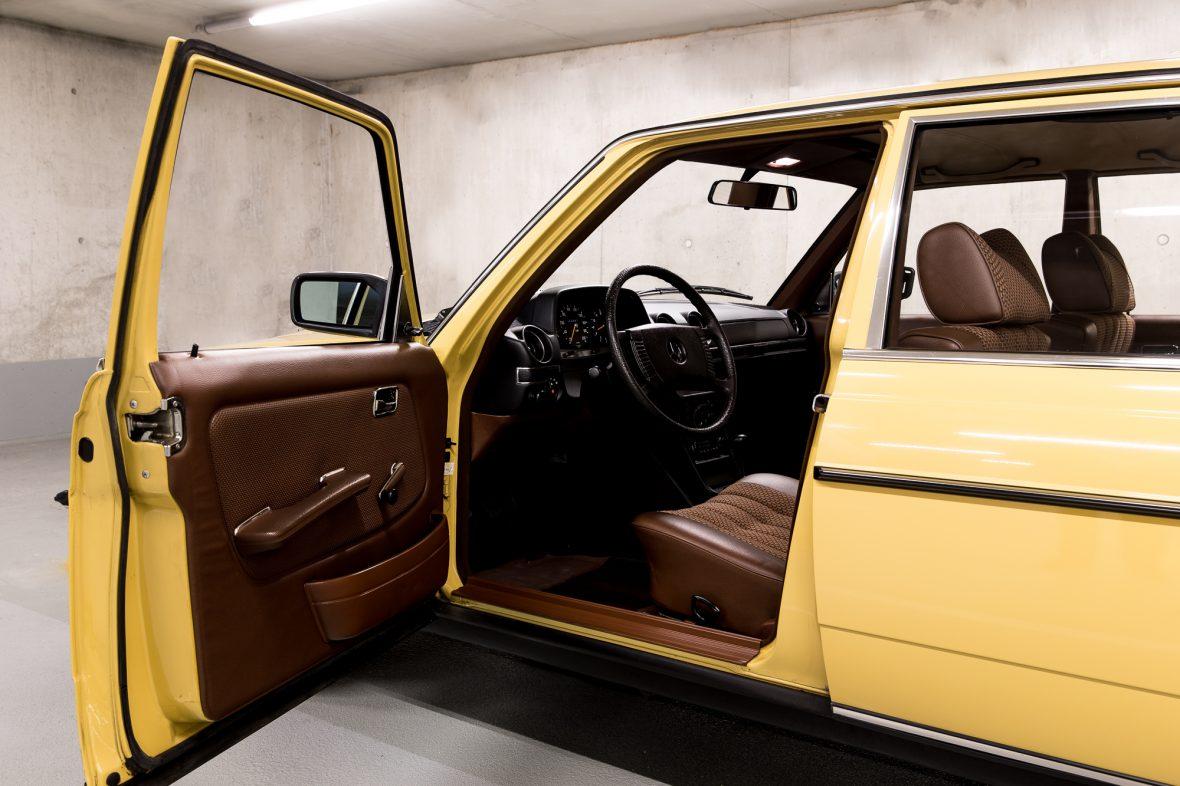 Mercedes-Benz W 123  230 11