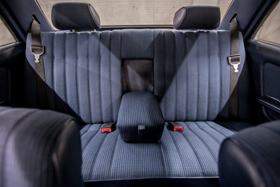 Mercedes - Benz W 123  230E 15