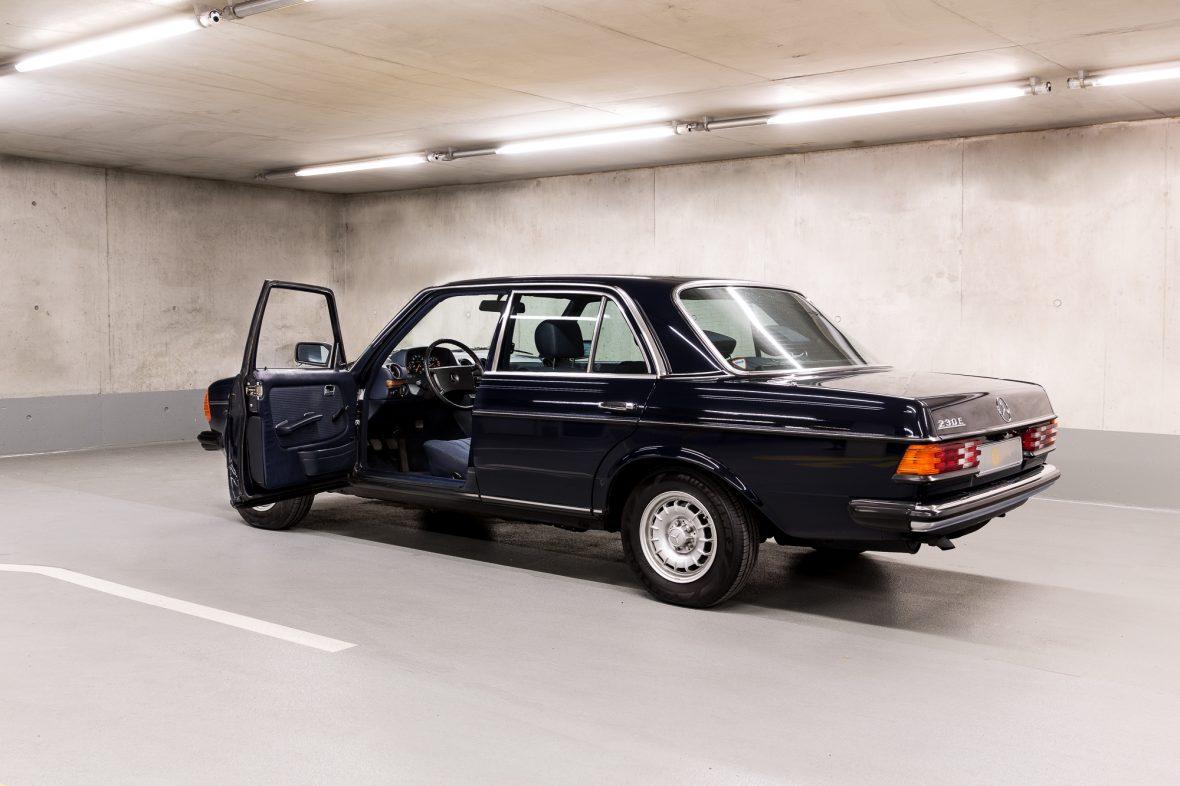 Mercedes - Benz W 123  230E 8