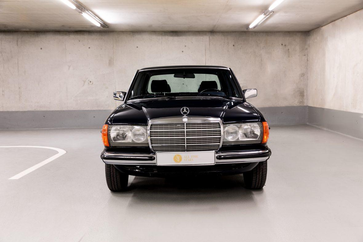 Mercedes - Benz W 123  230E 1