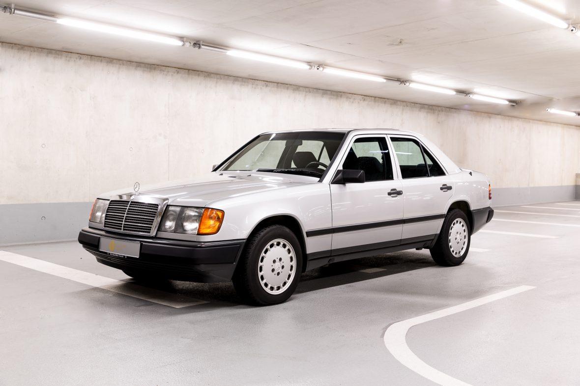 Mercedes-Benz 300 E (W 124) 4