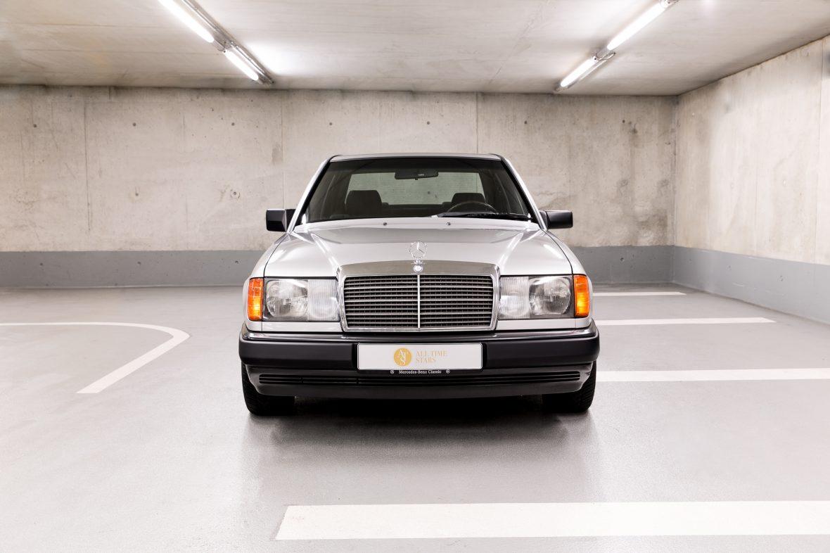 Mercedes-Benz 300 E (W 124) 3