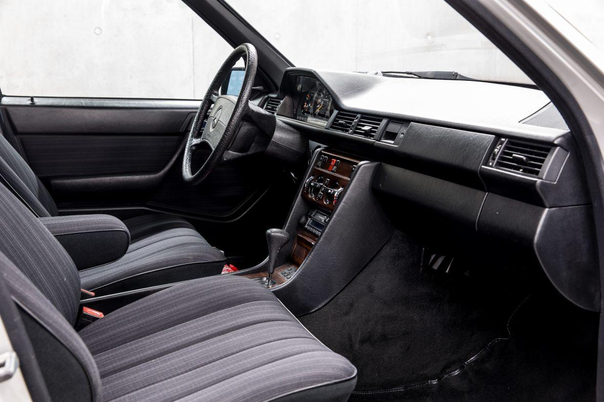 Mercedes-Benz 300 E (W 124) 15