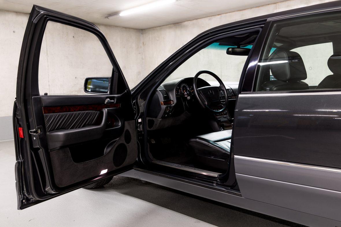 Mercedes-Benz W 140 S 320 11