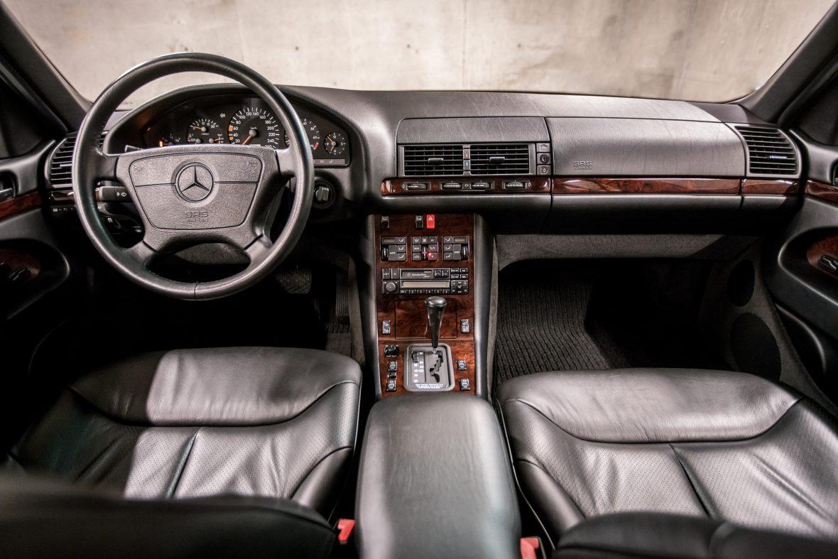 Mercedes-Benz W 140 S 320 13