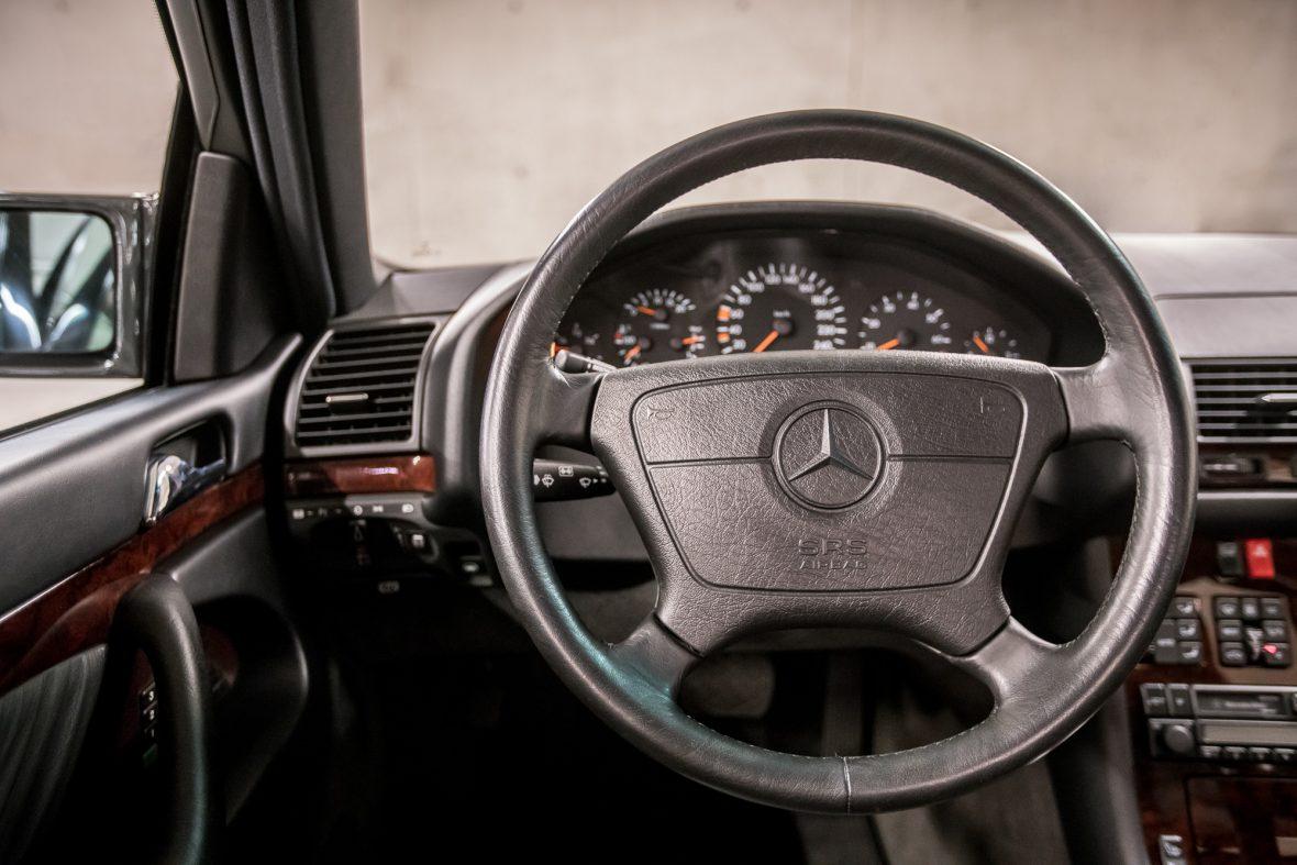 Mercedes-Benz W 140 S 320 14