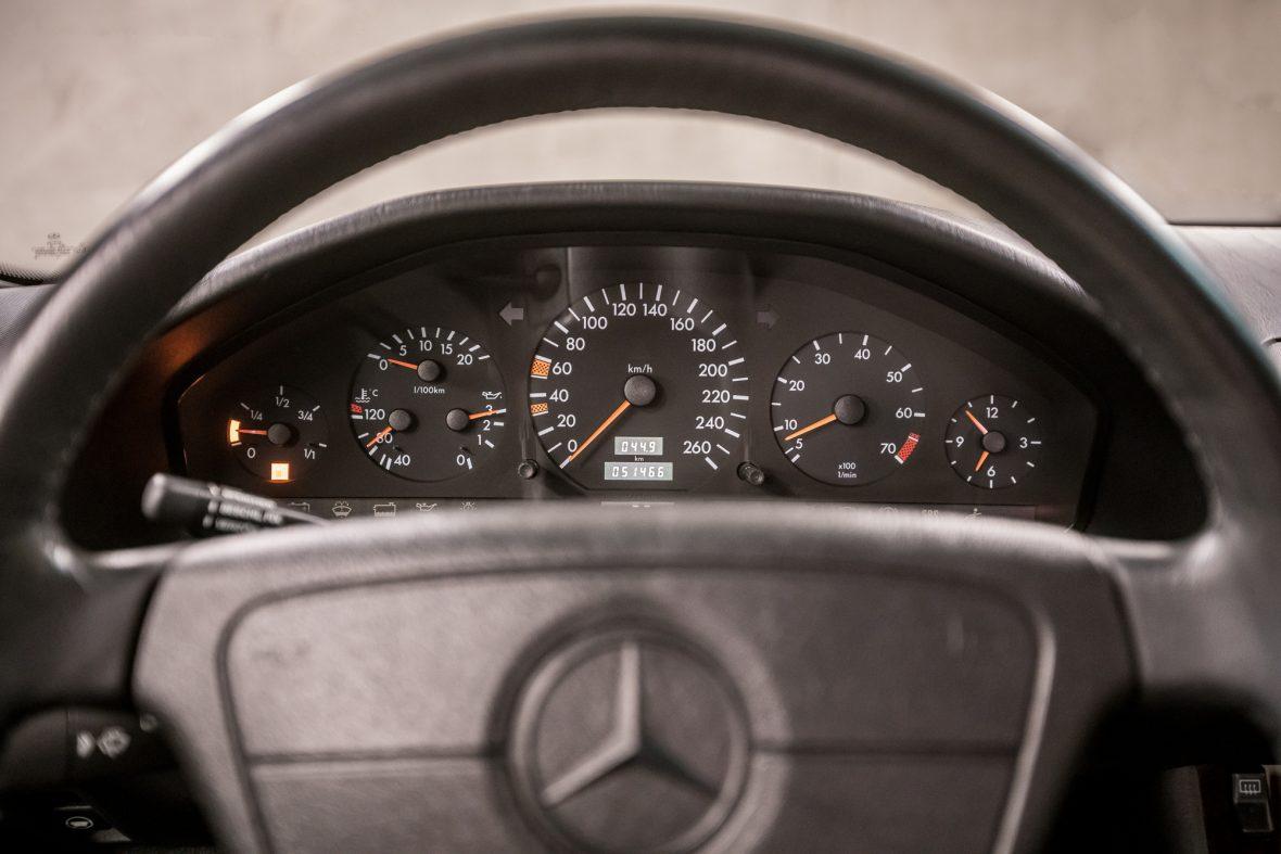 Mercedes-Benz W 140 S 320 15