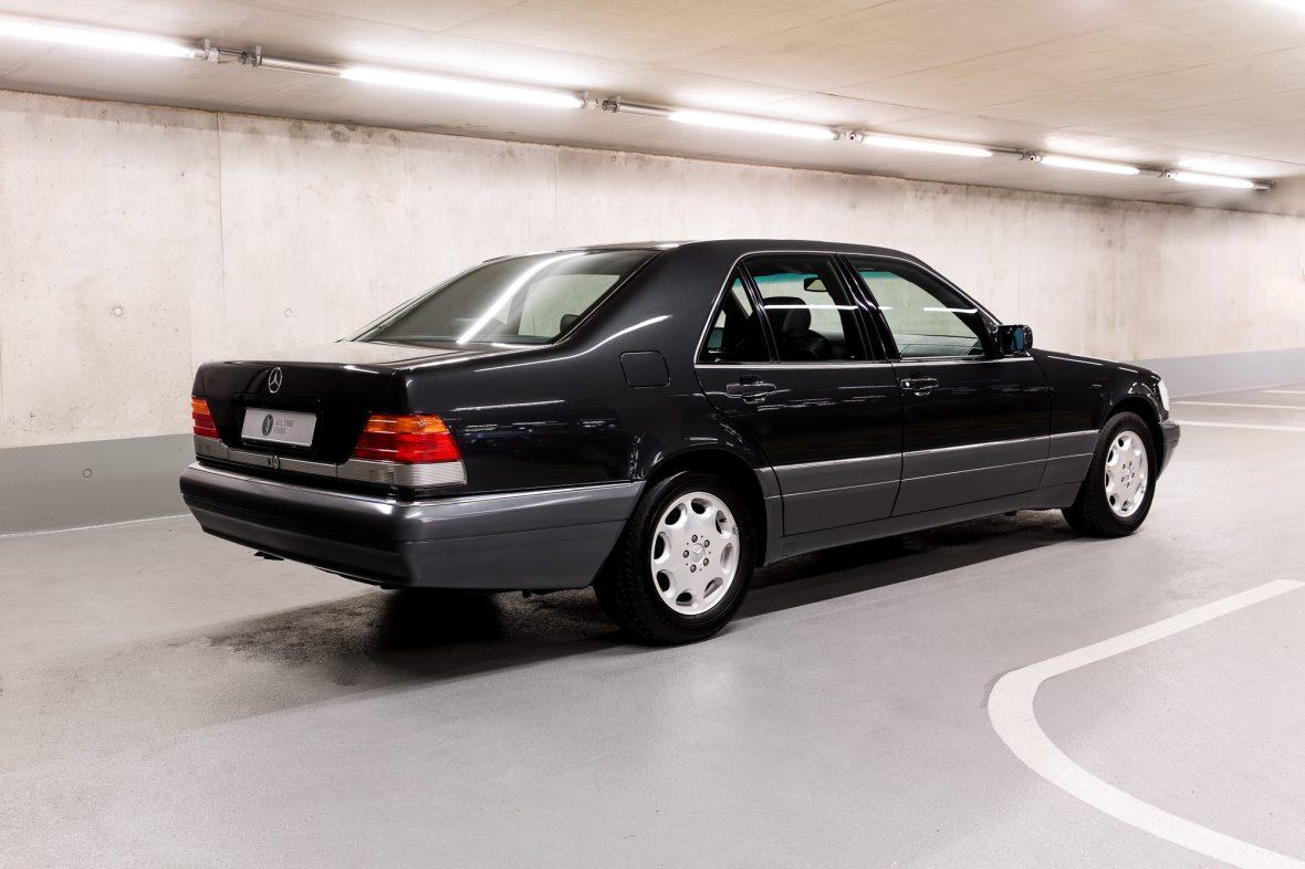Mercedes-Benz W 140 S 320 2