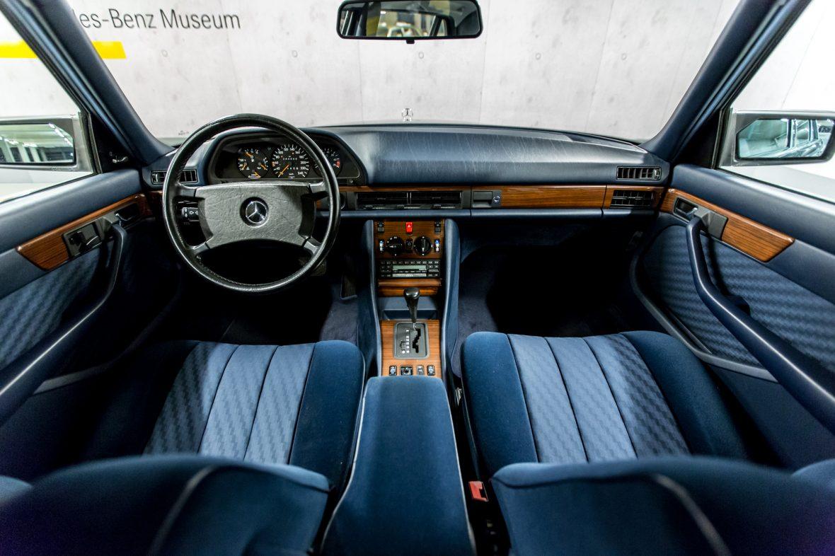 Mercedes-Benz W 126 300 SEL 16