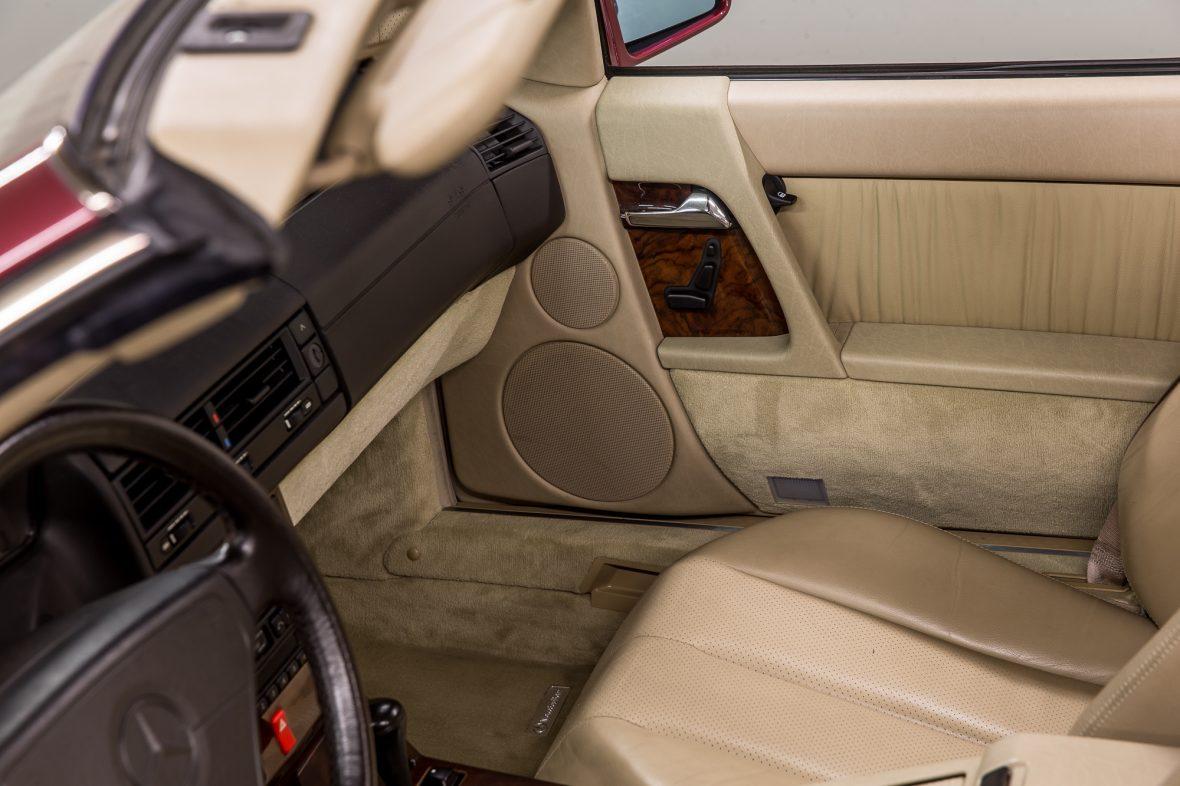 Mercedes-Benz R 129 320 SL 18