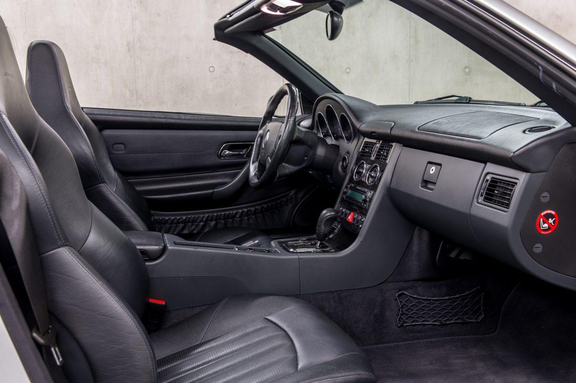 Mercedes-Benz R 170  SLK 32 AMG 9