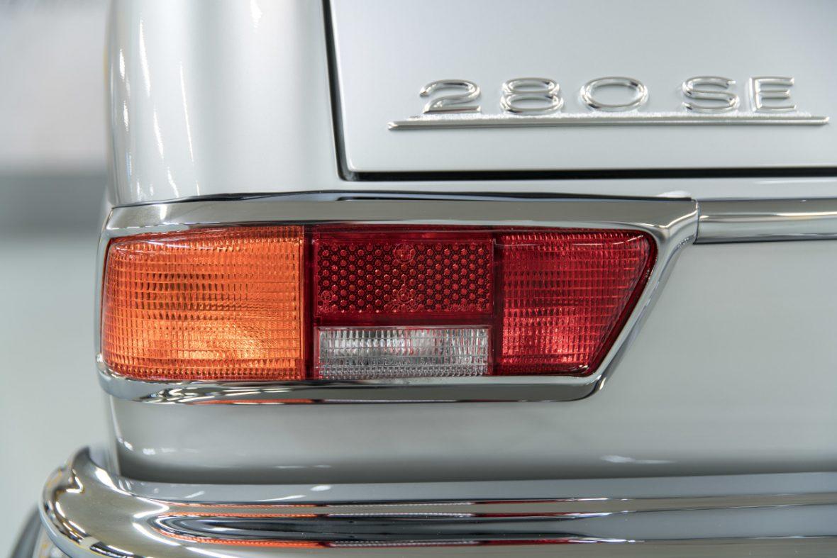 Mercedes-Benz 280 SE 3.5 Cabriolet (W 111) 18