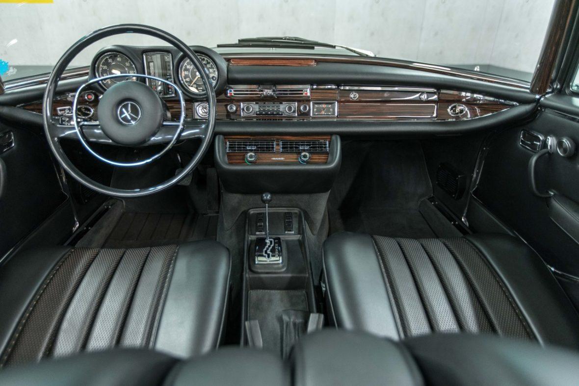 Mercedes-Benz 280 SE 3.5 Cabriolet (W 111) 22