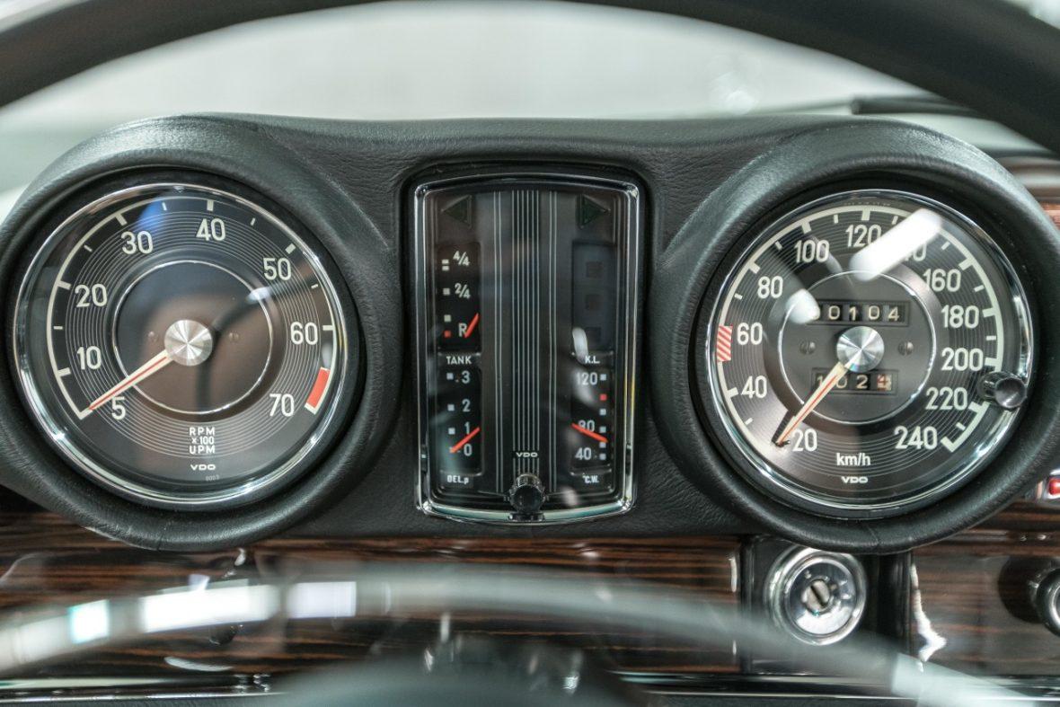 Mercedes-Benz 280 SE 3.5 Cabriolet (W 111) 25