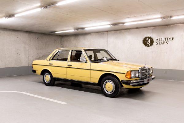 Mercedes-Benz W 123  230