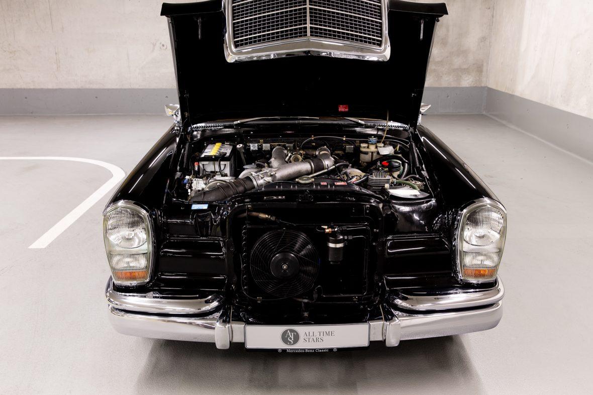 Mercedes-Benz 600 (W 100) 11