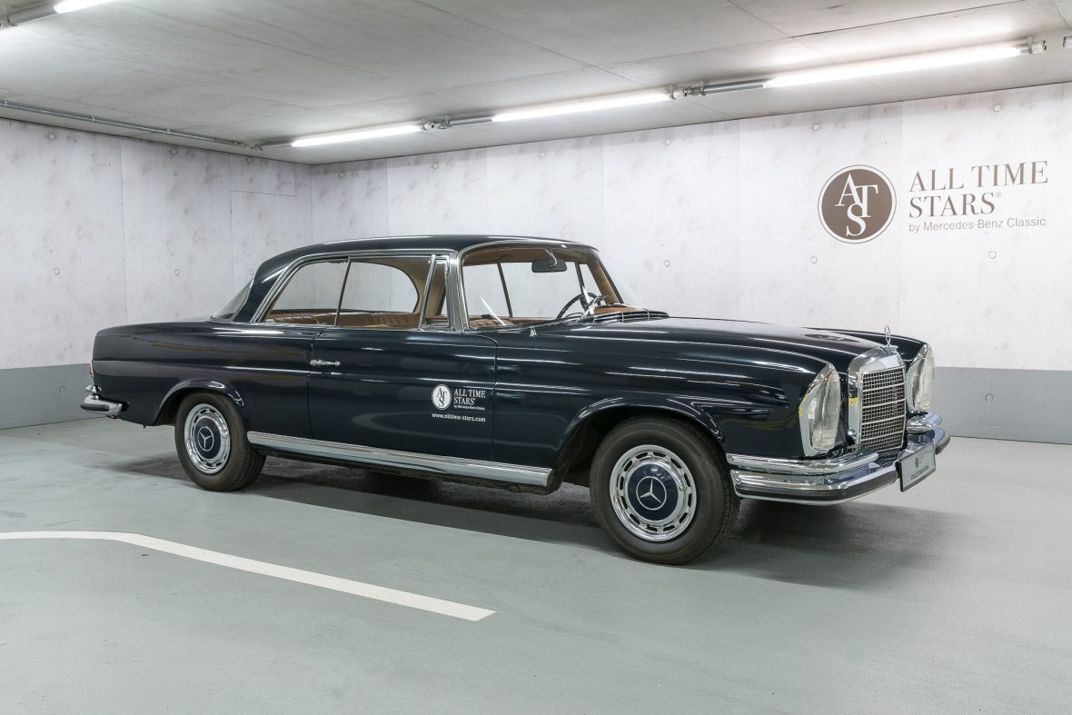 Mercedes–Benz W 111 280 SE 3,5 Coupe 0