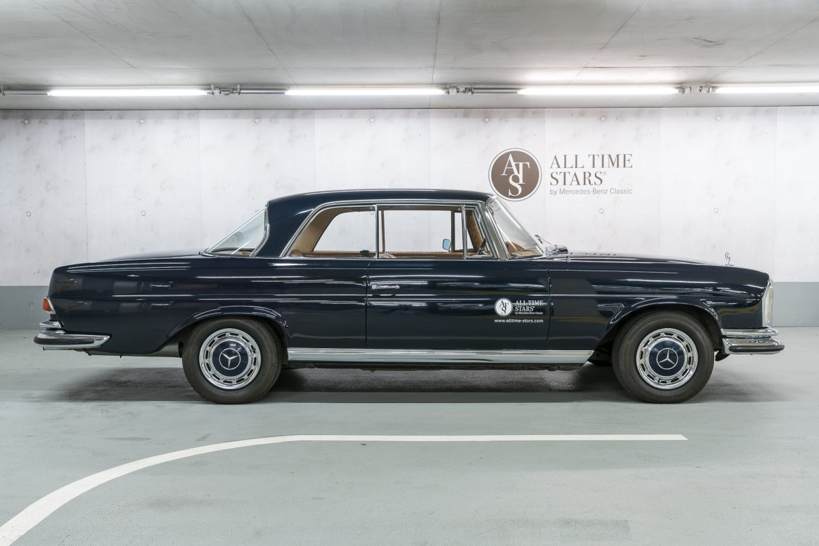 Mercedes-Benz 280 SE 3.5 Coupe (W 111) 1