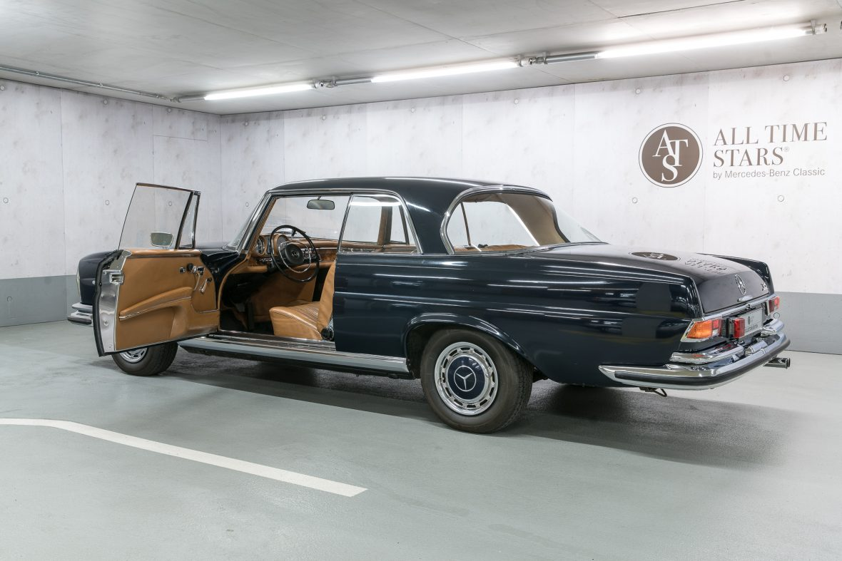 Mercedes–Benz W 111 280 SE 3,5 Coupe 24