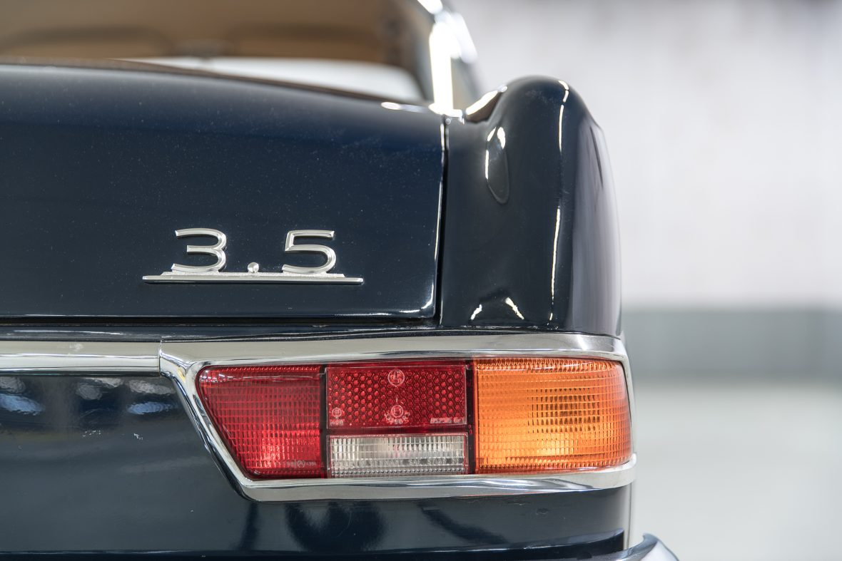 Mercedes-Benz 280 SE 3.5 Coupe (W 111) 30