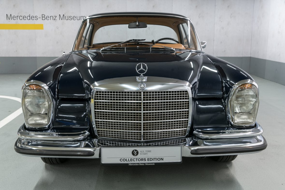 mercedes benz w 111 280 se 3 5 coupe mercedes benz en. Black Bedroom Furniture Sets. Home Design Ideas