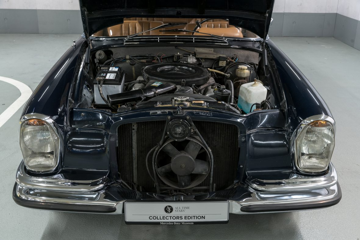 Mercedes-Benz 280 SE 3.5 Coupe (W 111) 4