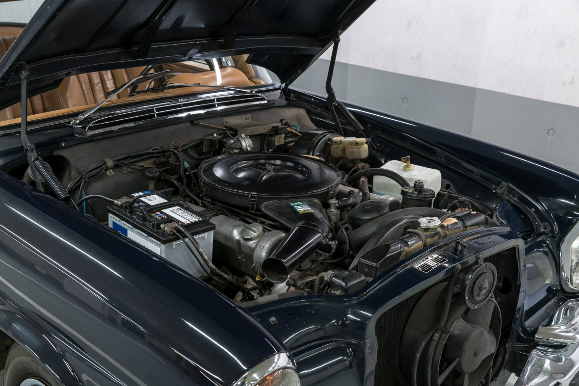 Mercedes-Benz 280 SE 3.5 Coupe (W 111) 6