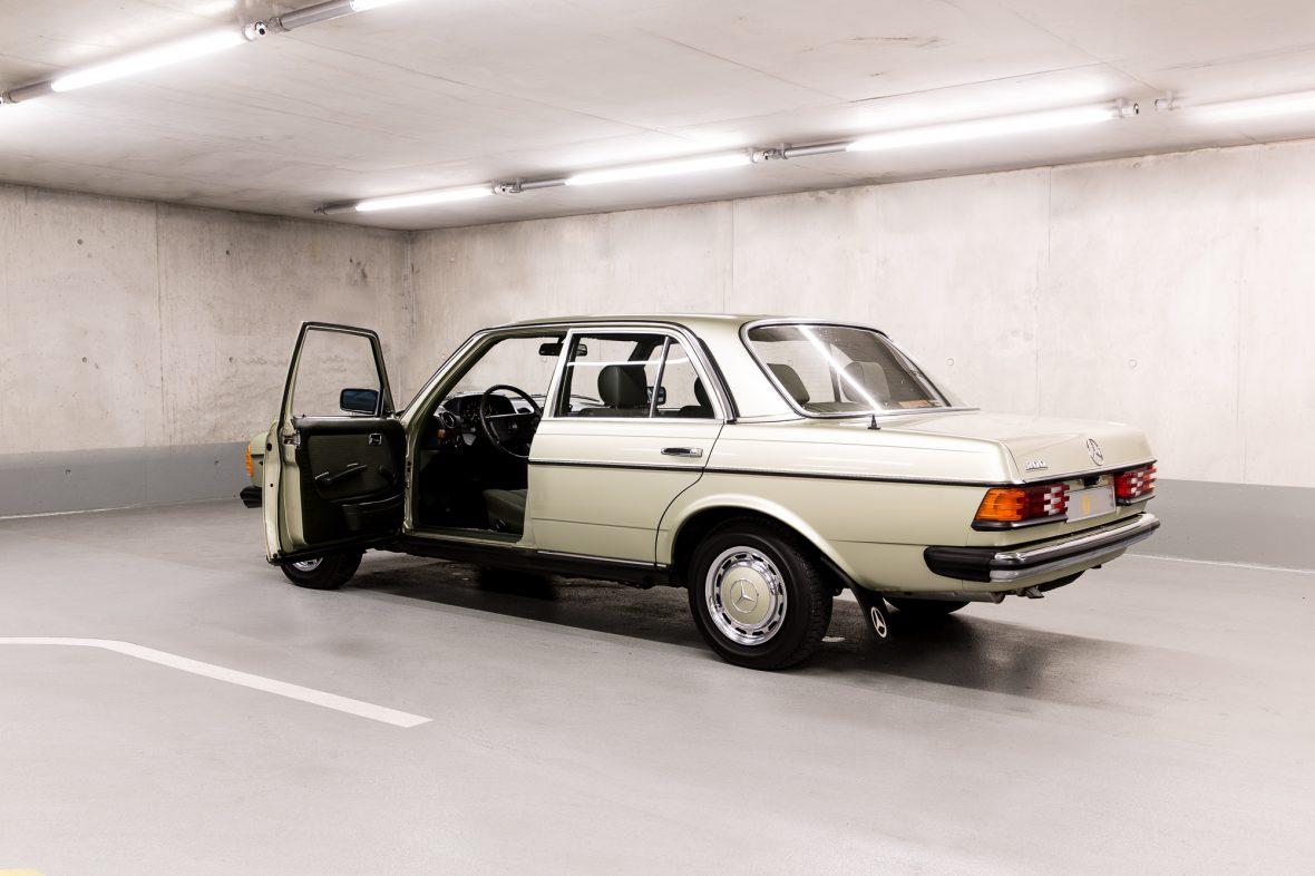 Mercedes-Benz W 123  200 8
