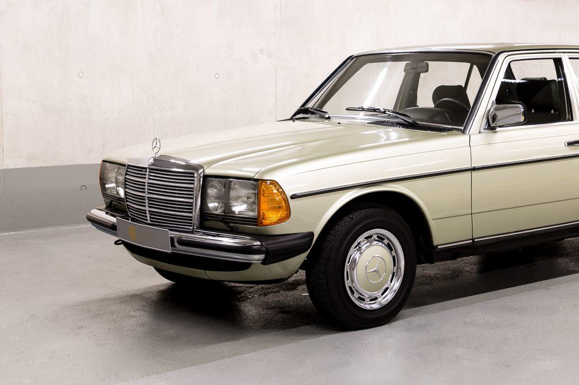 Mercedes-Benz W 123  200 5