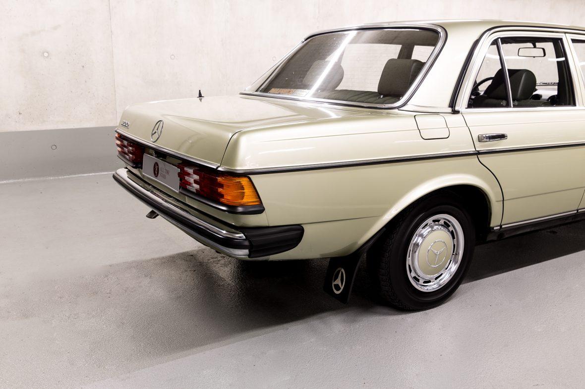 Mercedes-Benz W 123  200 6