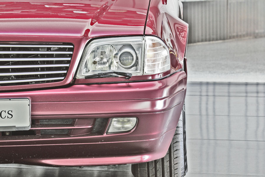 Mercedes-Benz R129 320 SL 8