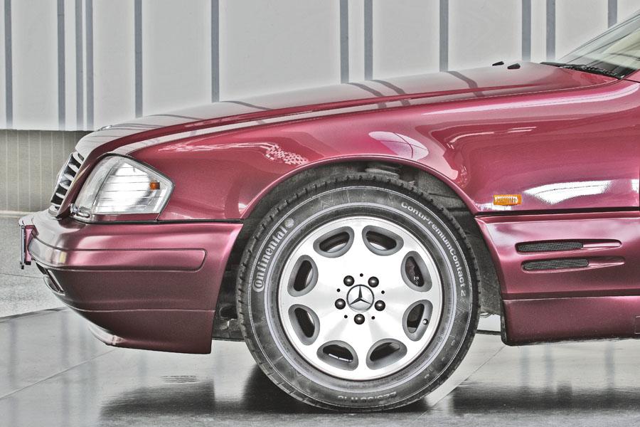 Mercedes-Benz R129 320 SL 9