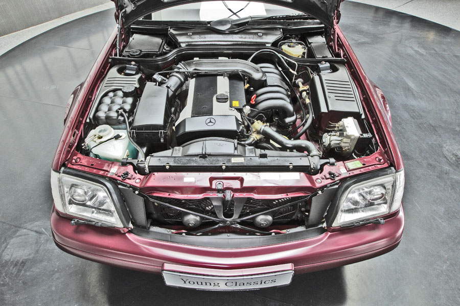 Mercedes-Benz R129 320 SL 21