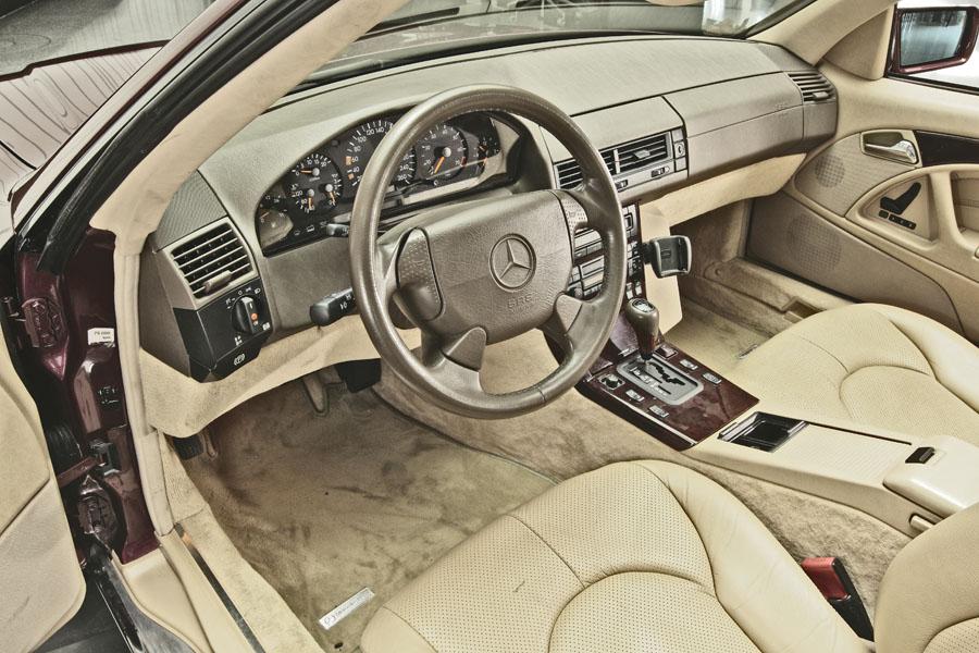 Mercedes-Benz R129 320 SL 15